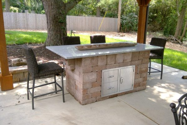 Thompson patio kitchen